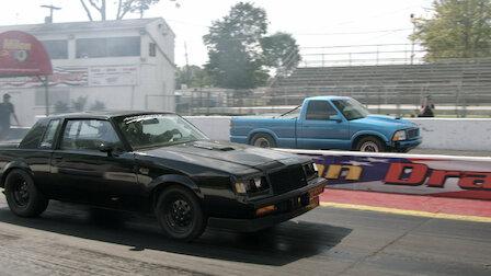 Watch Motor City Mayhem. Episode 6 of Season 1.